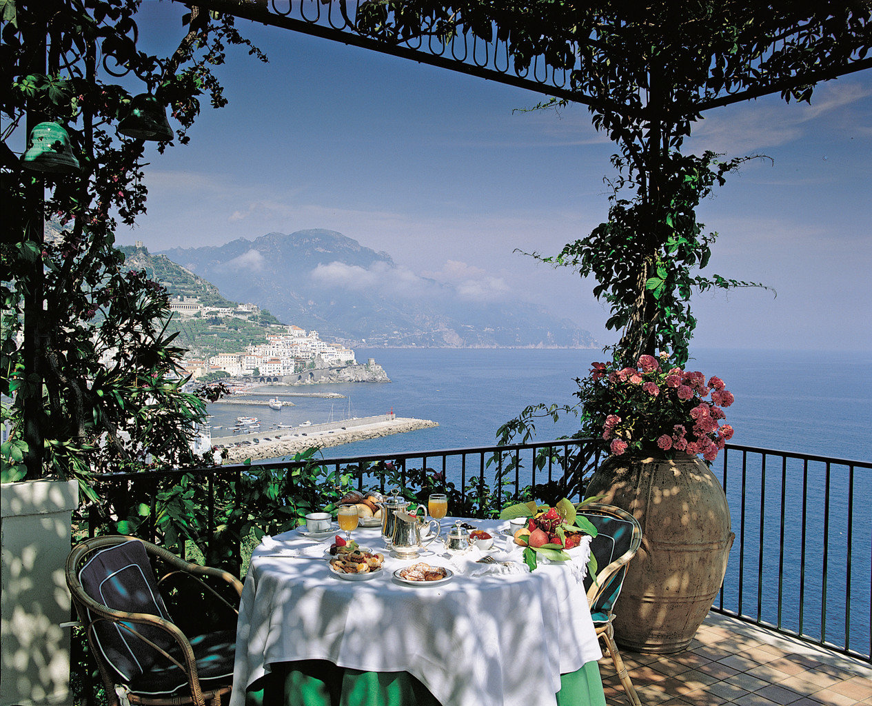 Balcony Cultural Dining Drink Eat Jetsetter Guides Outdoors Romance Romantic Scenic views Trip Ideas tree outdoor overlooking vacation estate flower Deck
