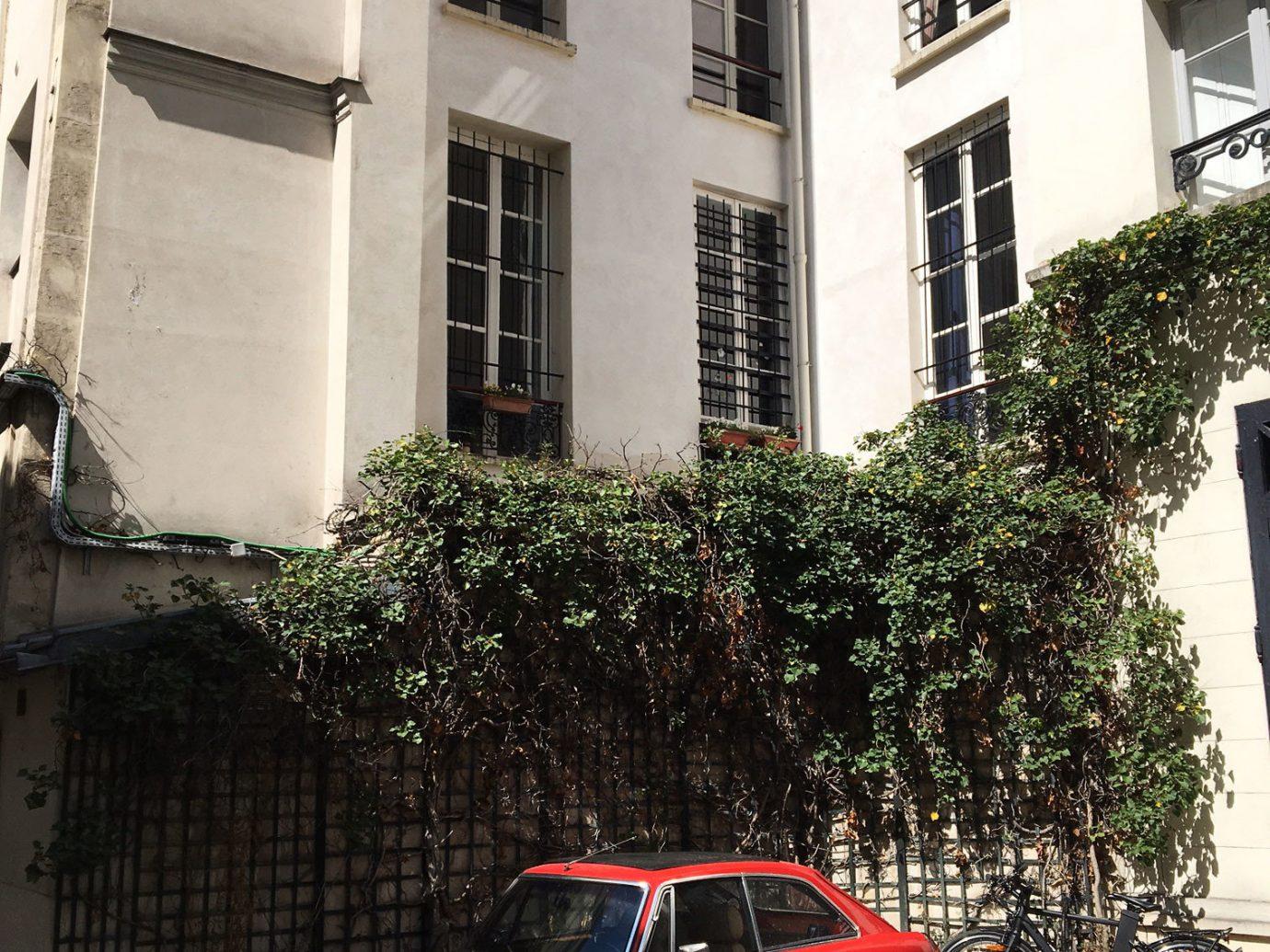 Exterior view of Galerie Perrotin