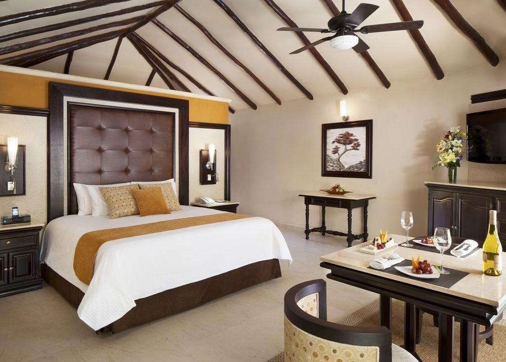 All-Inclusive Resorts Hotels floor indoor wall table room ceiling interior design bed frame Suite furniture Bedroom estate interior designer area