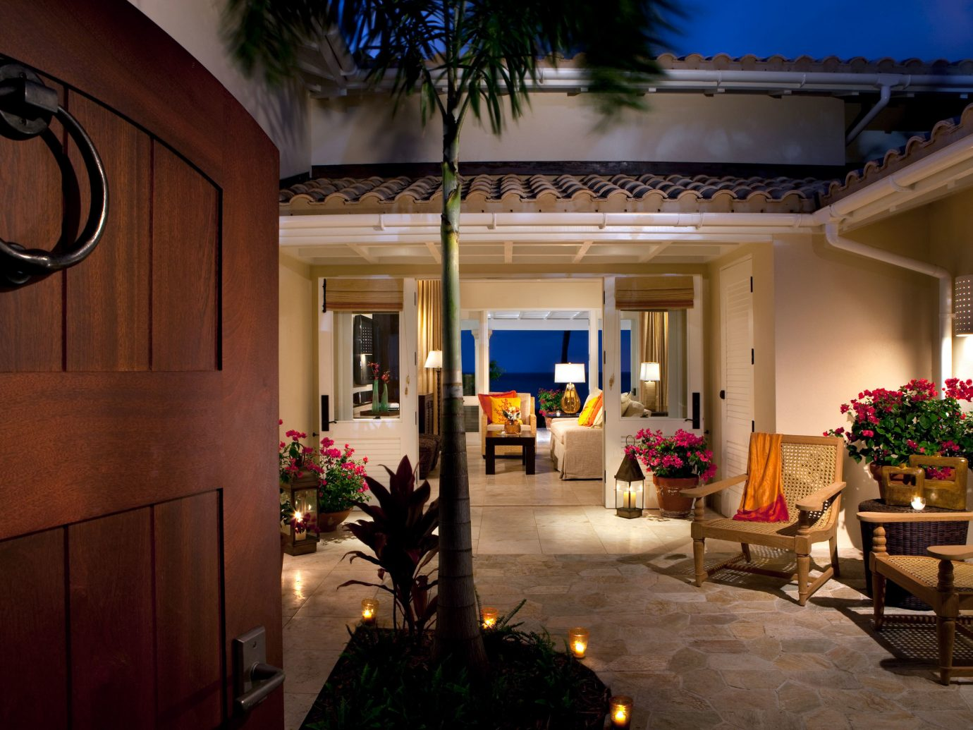 All-inclusive Beach Beachfront Bedroom Courtyard Elegant Hotels Island Luxury Patio Suite Waterfront indoor Lobby home room estate plant house living room interior design mansion lighting decorated Villa furniture