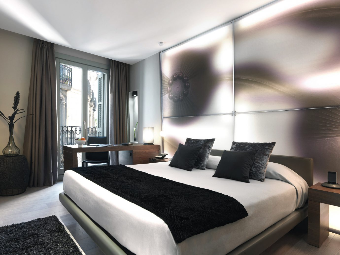Bedroom Boutique Hotels City Hip Historic Hotels Living indoor wall room floor bed ceiling property hotel interior design Suite condominium real estate estate living room apartment furniture decorated