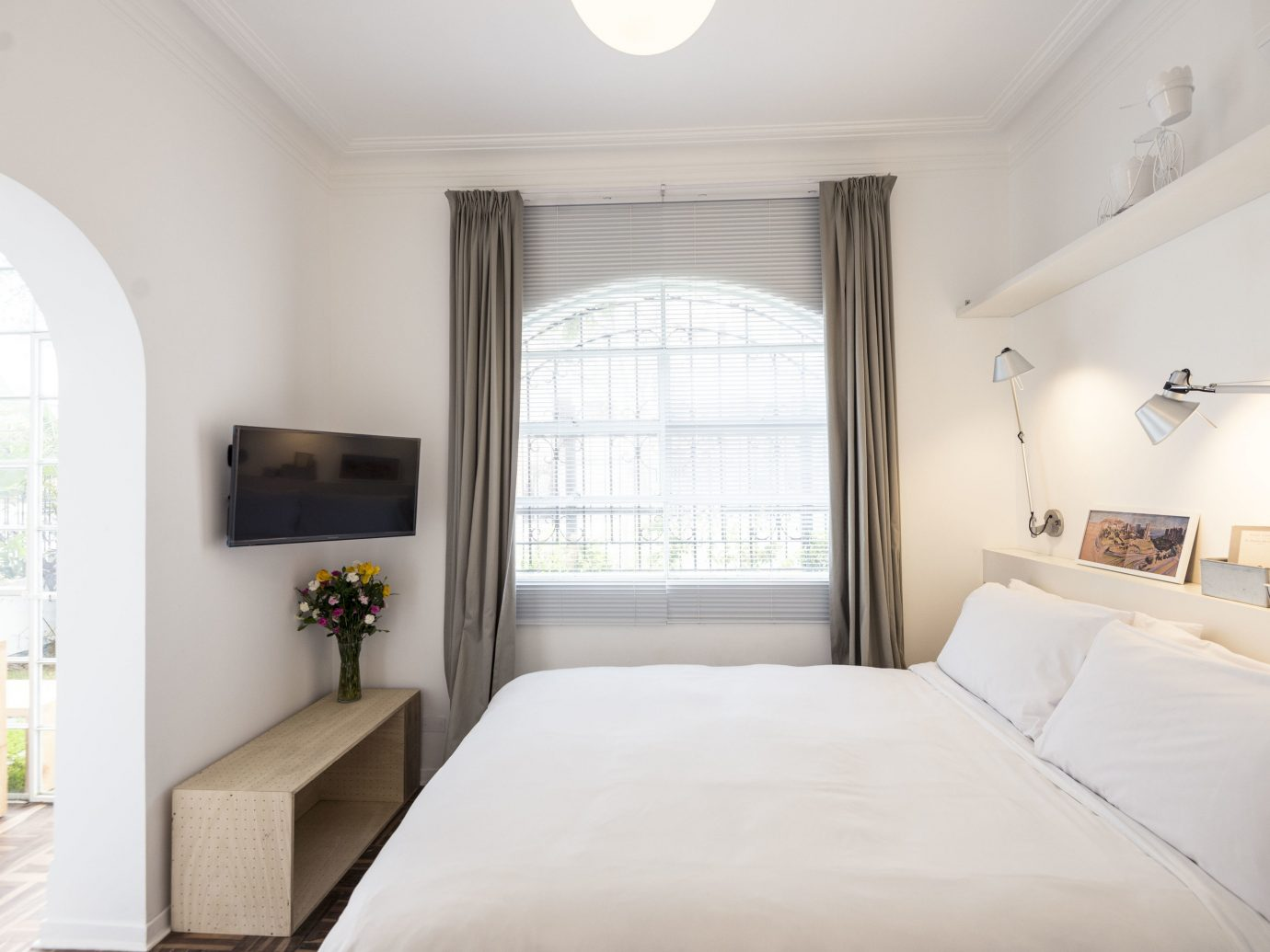 Boutique Hotels Hotels indoor wall bed window room property Bedroom real estate white interior design ceiling home estate Suite bed frame daylighting floor house apartment comfort interior designer
