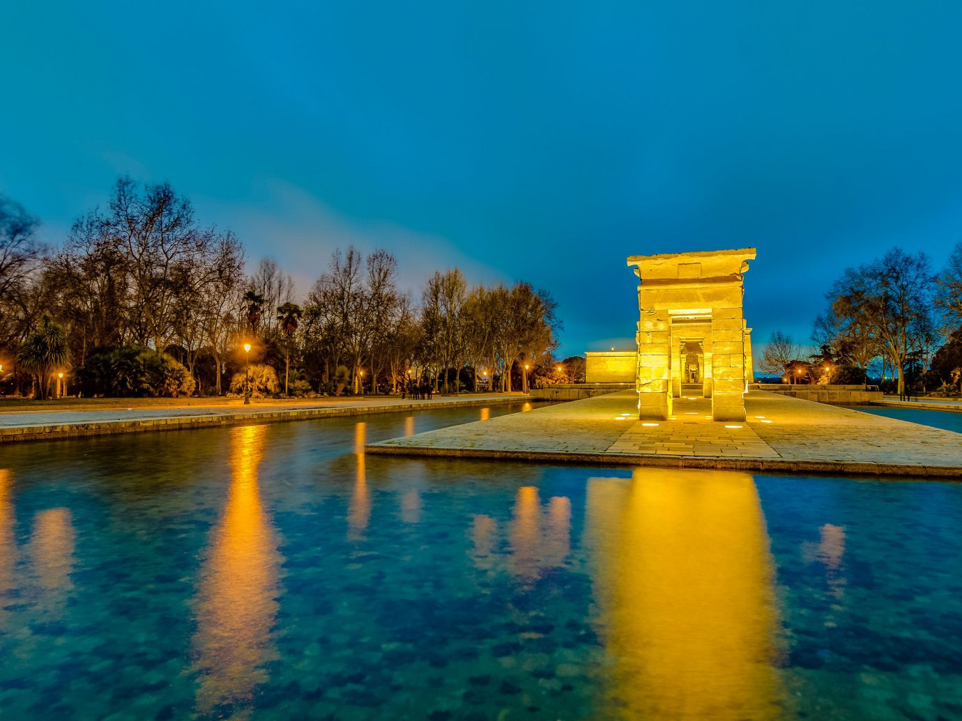 Spring Trips Trip Ideas reflection blue Nature water sky landmark tourist attraction tree evening reflecting pool morning water feature daytime dusk cloud landscape estate tourism dawn historic site plant computer wallpaper leisure night horizon watercourse