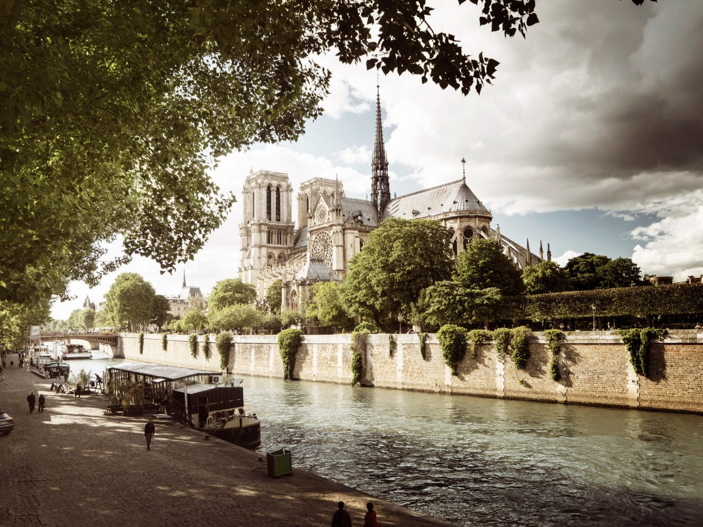 France Hotels News Paris Romance Travel Tips Travel Trends Trip Ideas outdoor tree water landmark urban area human settlement River reflection tourism château ancient history waterway cityscape water feature place of worship palace temple flower Ruins travel