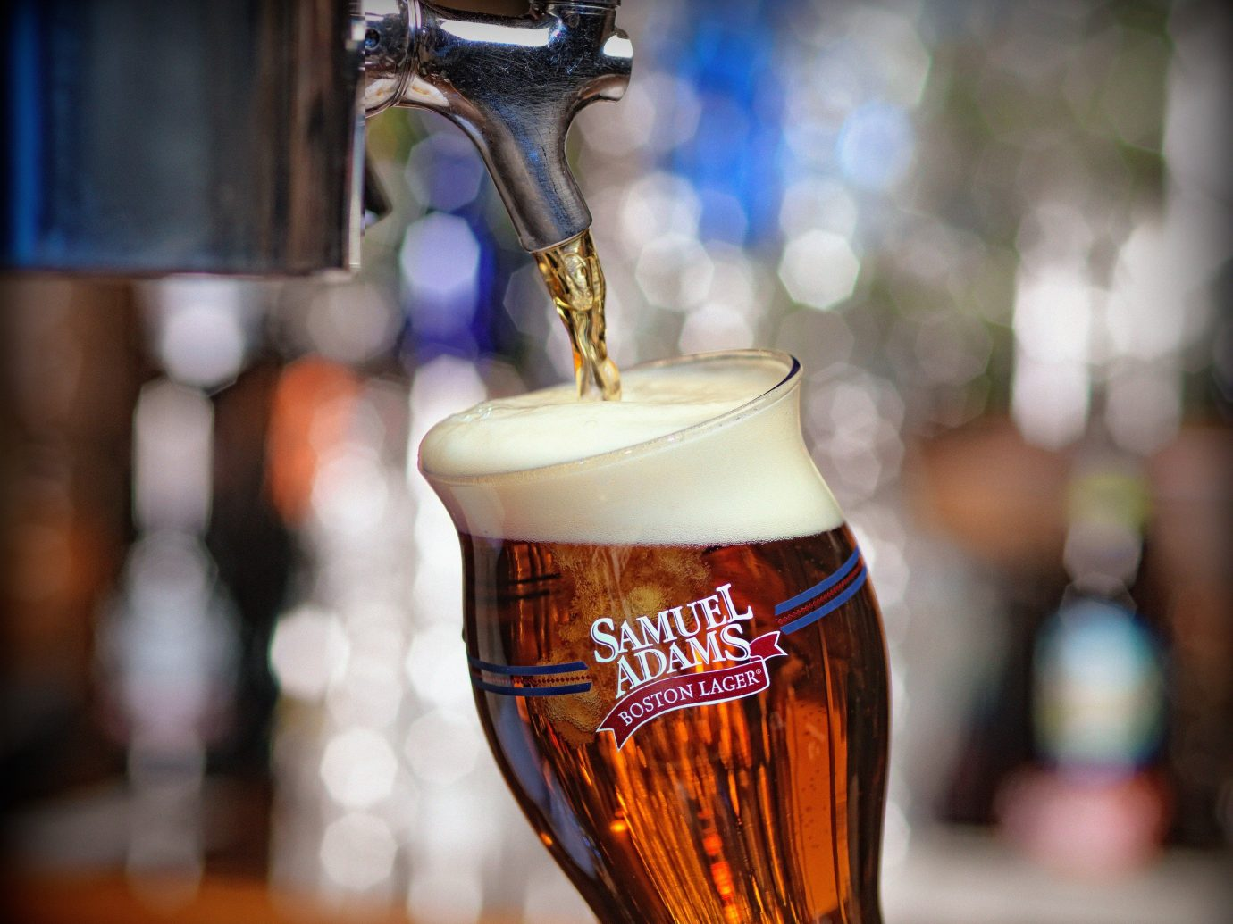Budget Drink beer alcoholic beverage alcohol sense glass pint us