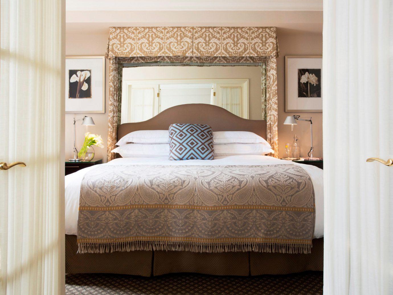 Bedroom Boutique City Classic Elegant Hotels Romantic bed indoor wall room hotel interior design furniture hardwood Suite floor bed sheet cottage bed frame textile duvet cover tan