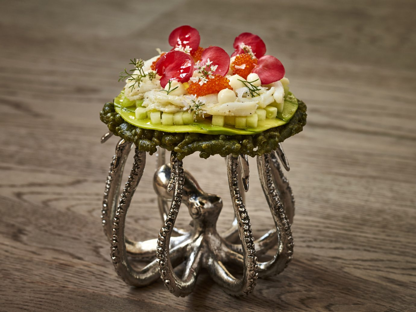 Trip Ideas ground floor jewellery green fashion accessory flower ring earrings macro photography food