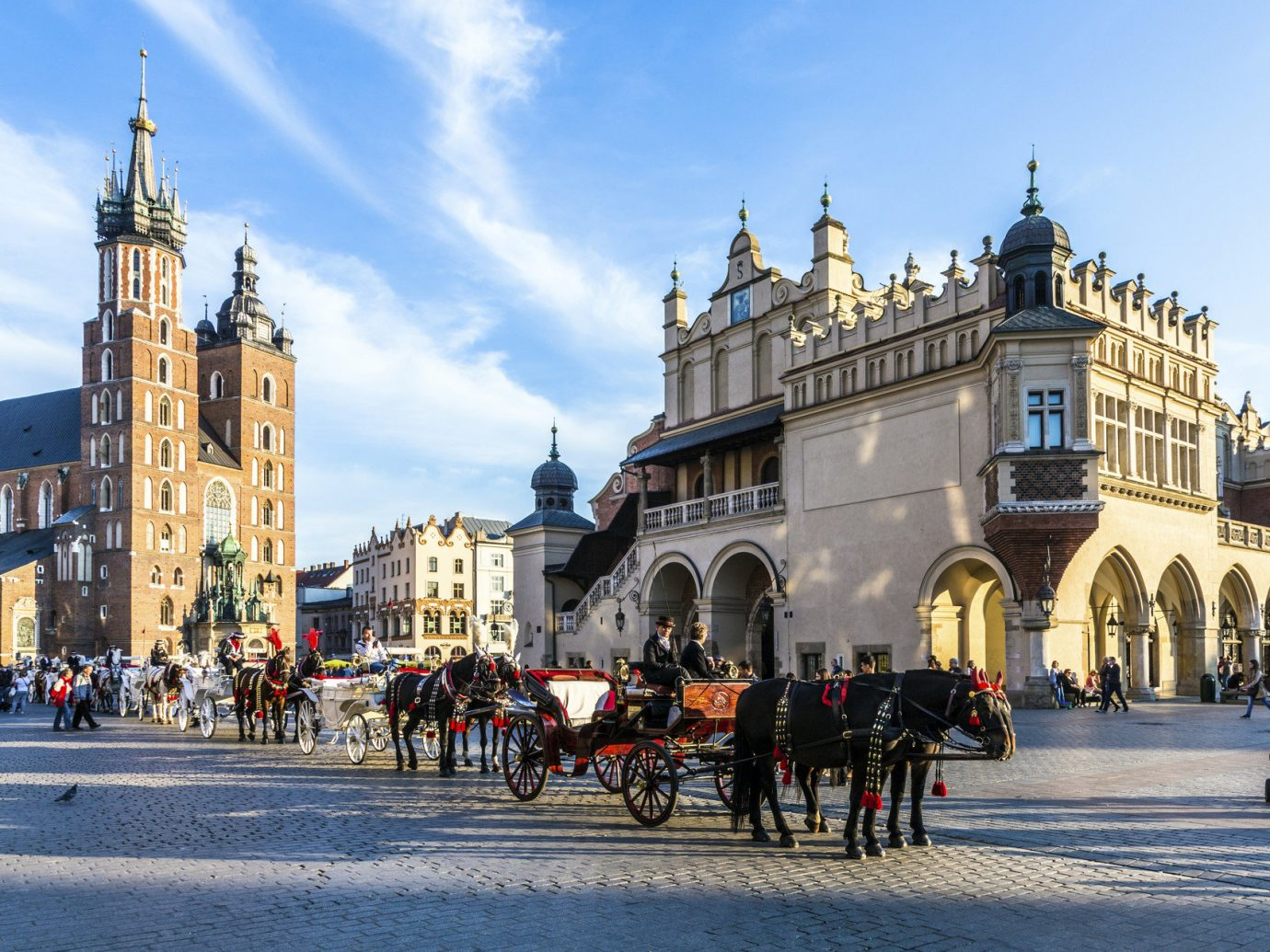 Trip Ideas outdoor building road street landmark Town City Winter town square plaza tourism cityscape season Downtown cathedral tours palace carriage drawn square