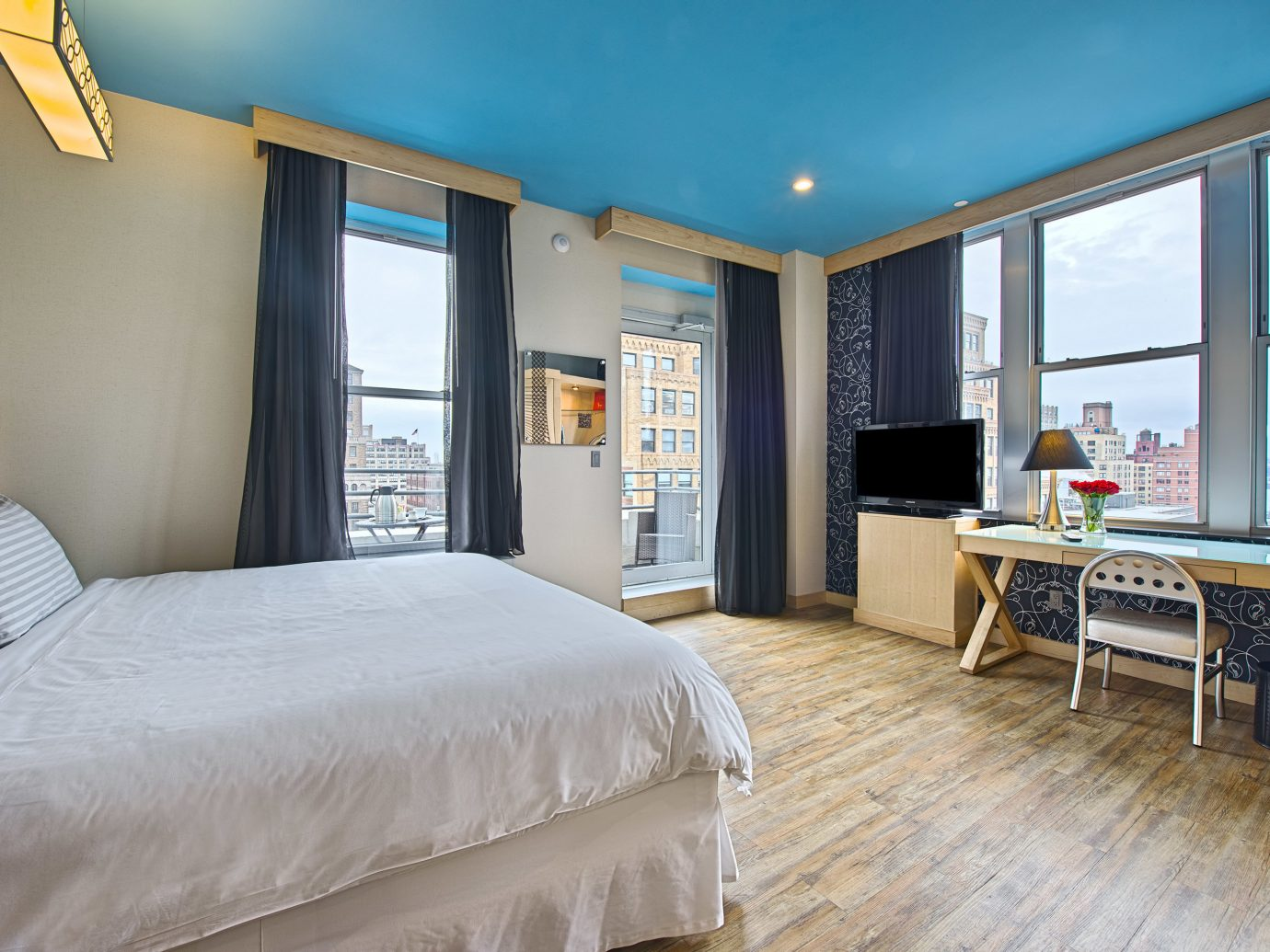 Bedroom Budget City Classic Family Family Travel Hotels Scenic views indoor bed floor wall room window property ceiling estate real estate hotel Suite home living room cottage interior design Villa apartment condominium