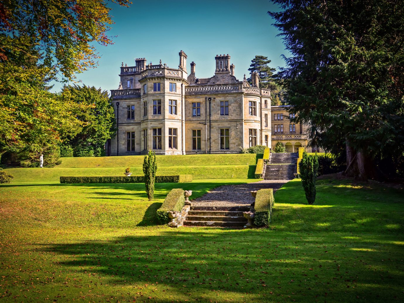 Trip Ideas grass tree outdoor park estate green house stately home château lawn home mansion Garden manor house rural area sunlight autumn backyard old grassy plant castle lush