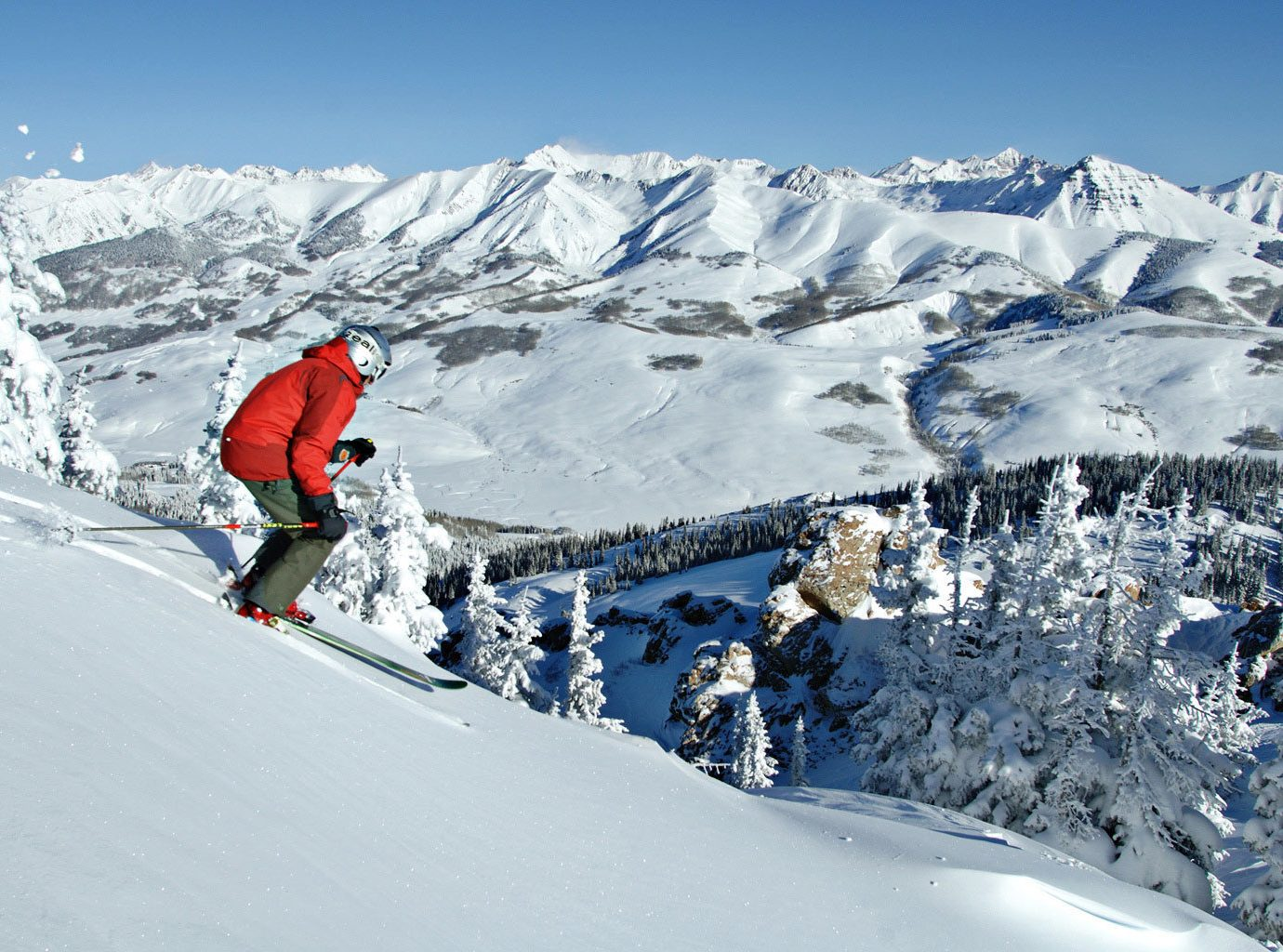 Adventure Mountains Outdoor Activities Outdoors Scenic views Ski Sport snow sky Nature ice skiing piste telemark skiing geological phenomenon mountain range Winter footwear ski equipment winter sport ski mountaineering ski touring sports mountain downhill snowboard Resort extreme sport nordic skiing alpine skiing sports equipment alps ski cross ski slope slope