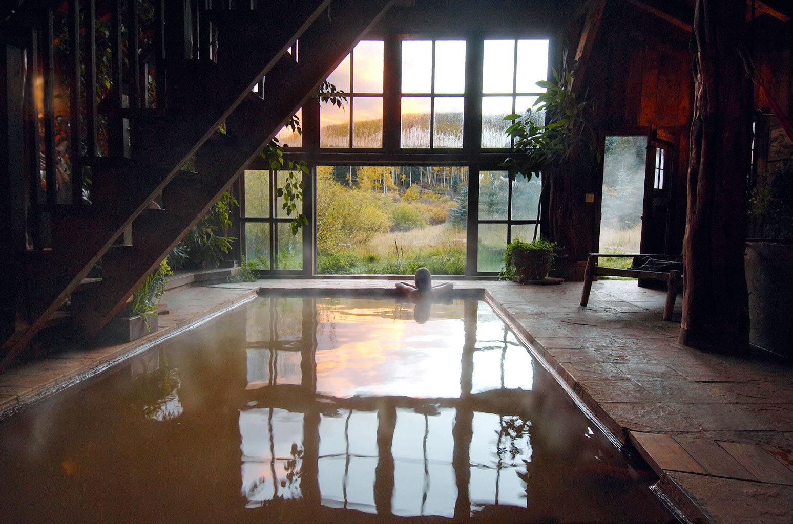 adventure rustic wellness building - Pemandian Air Panas Terkenal di Amerika Rasakan Sensasi Berendam