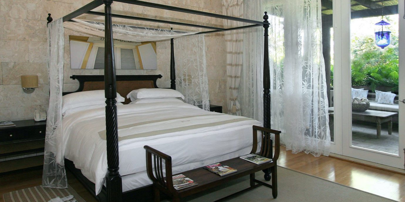 All-inclusive Beach Bedroom Boutique Patio Waterfront property house cottage home Villa