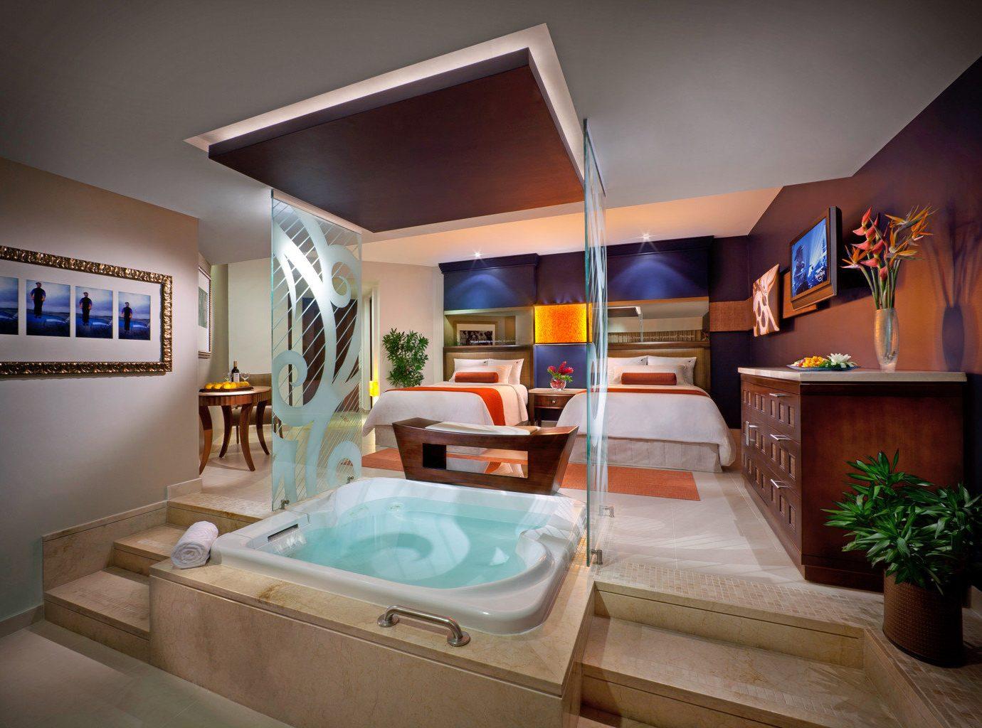 All-Inclusive Resorts Bedroom Elegant Hip Hot tub Hot tub/Jacuzzi Hotels Luxury Modern Romantic Solo Travel Suite property house home living room condominium Villa
