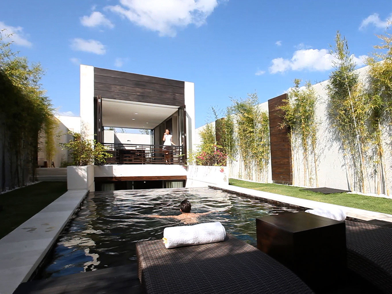 Elegant Lounge Luxury Pool sky tree house property home Architecture swimming pool Villa backyard condominium professional Courtyard residential area outdoor structure mansion landscape architect stone