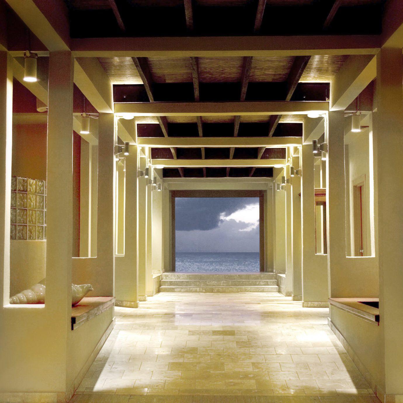 Family Honeymoon Island Lobby Romance Romantic Scenic views Tropical Waterfront building Architecture hall tourist attraction auditorium
