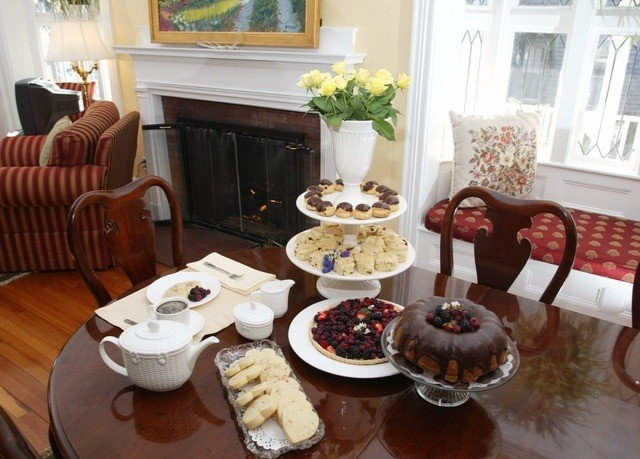 plate living room home brunch breakfast set arranged dining table