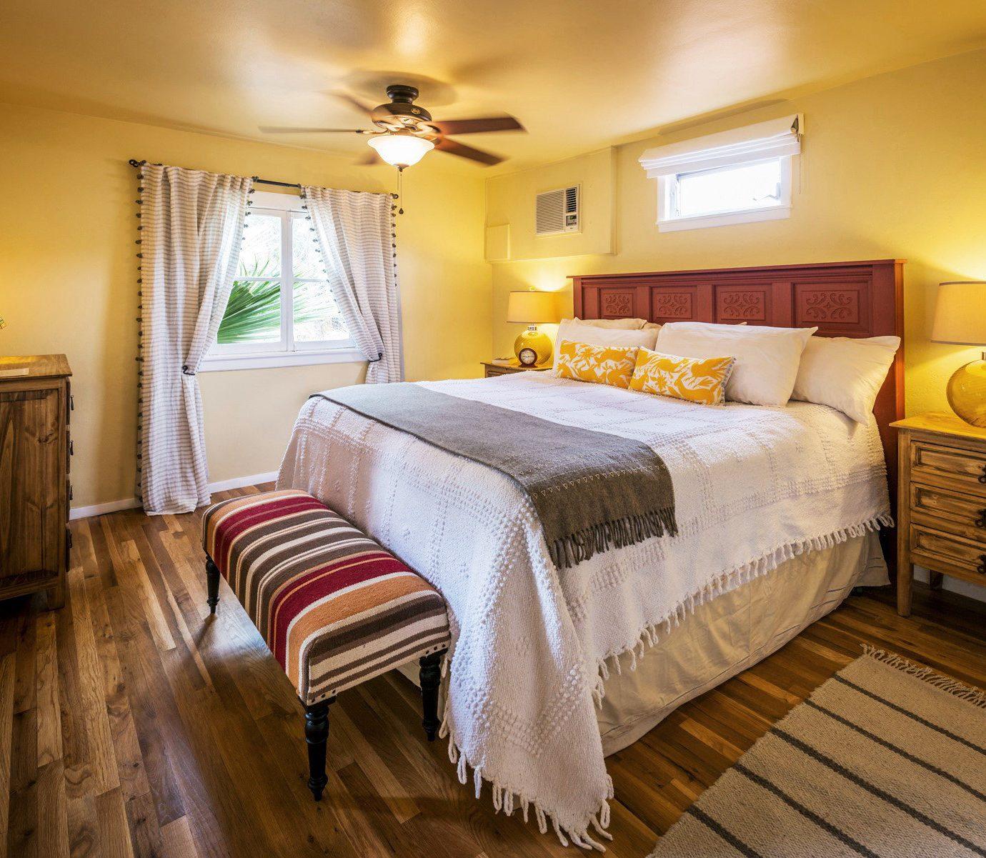 B&B Bedroom Country Lodge Romantic Wellness property cottage Suite hardwood