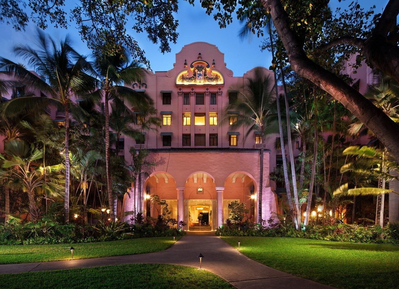 Boutique Hotels Hawaii Honolulu Hotels Nature landmark home estate mansion real estate lighting Resort tourist attraction hacienda tree landscape lighting hotel evening night sky plantation house plant building City facade Villa computer wallpaper landscape mixed use