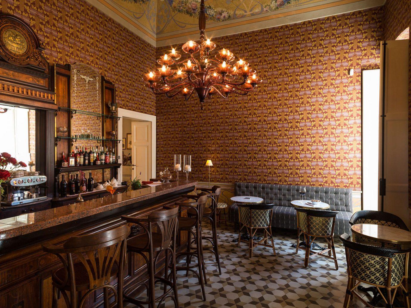 Jetsetter Guides indoor room property dining room estate restaurant interior design home real estate cottage Bar farmhouse furniture