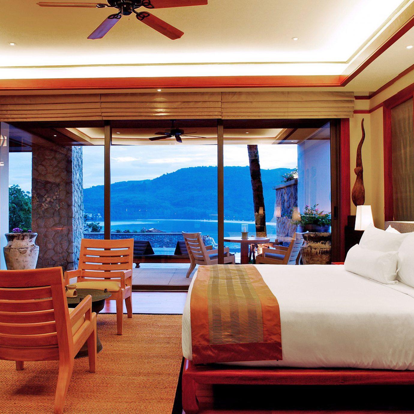 Balcony Beach Beachfront Bedroom Hotels Scenic views Tropical Waterfront Resort Suite restaurant Villa