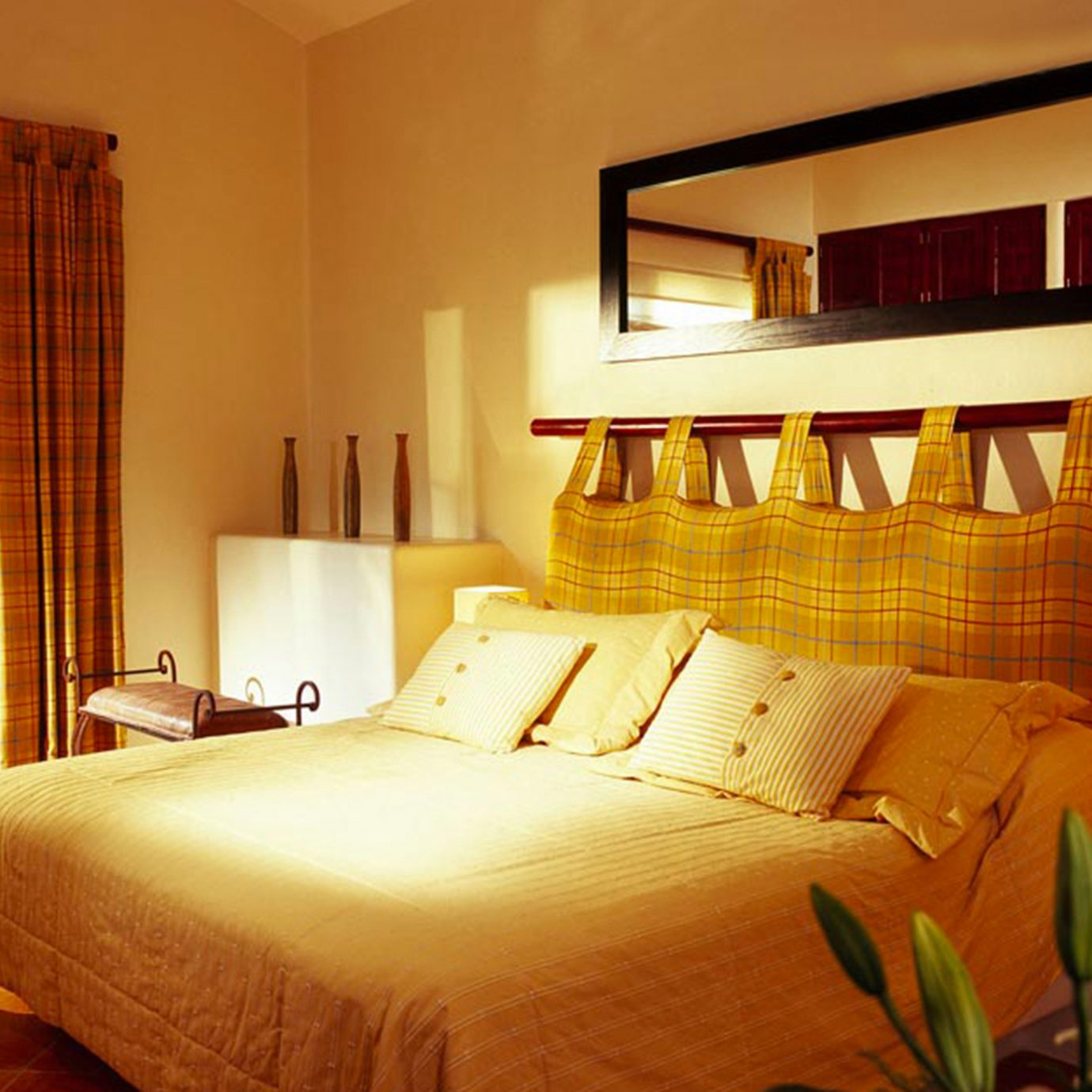 Balcony Beachfront Bedroom Resort Tropical Waterfront property Suite home cottage bed sheet living room lamp