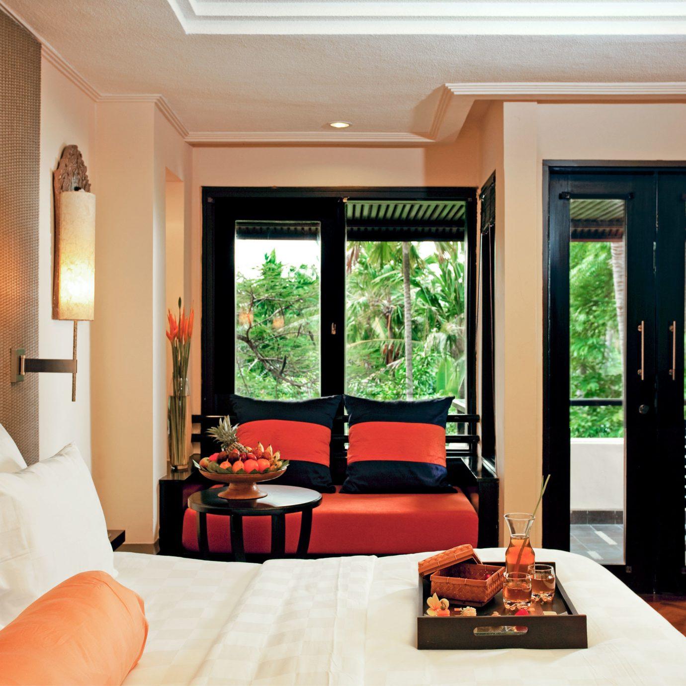Balcony Bedroom Classic Deck Hotels Patio Resort property home Suite living room condominium cottage Villa mansion Modern