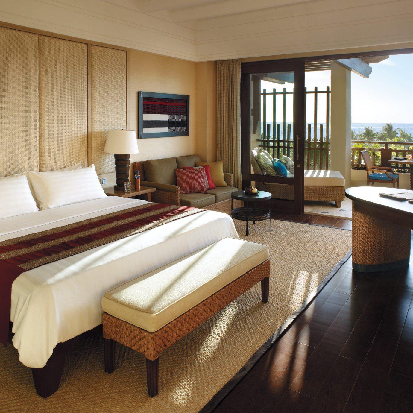 Balcony Bedroom Family Patio Resort property Suite condominium Villa living room