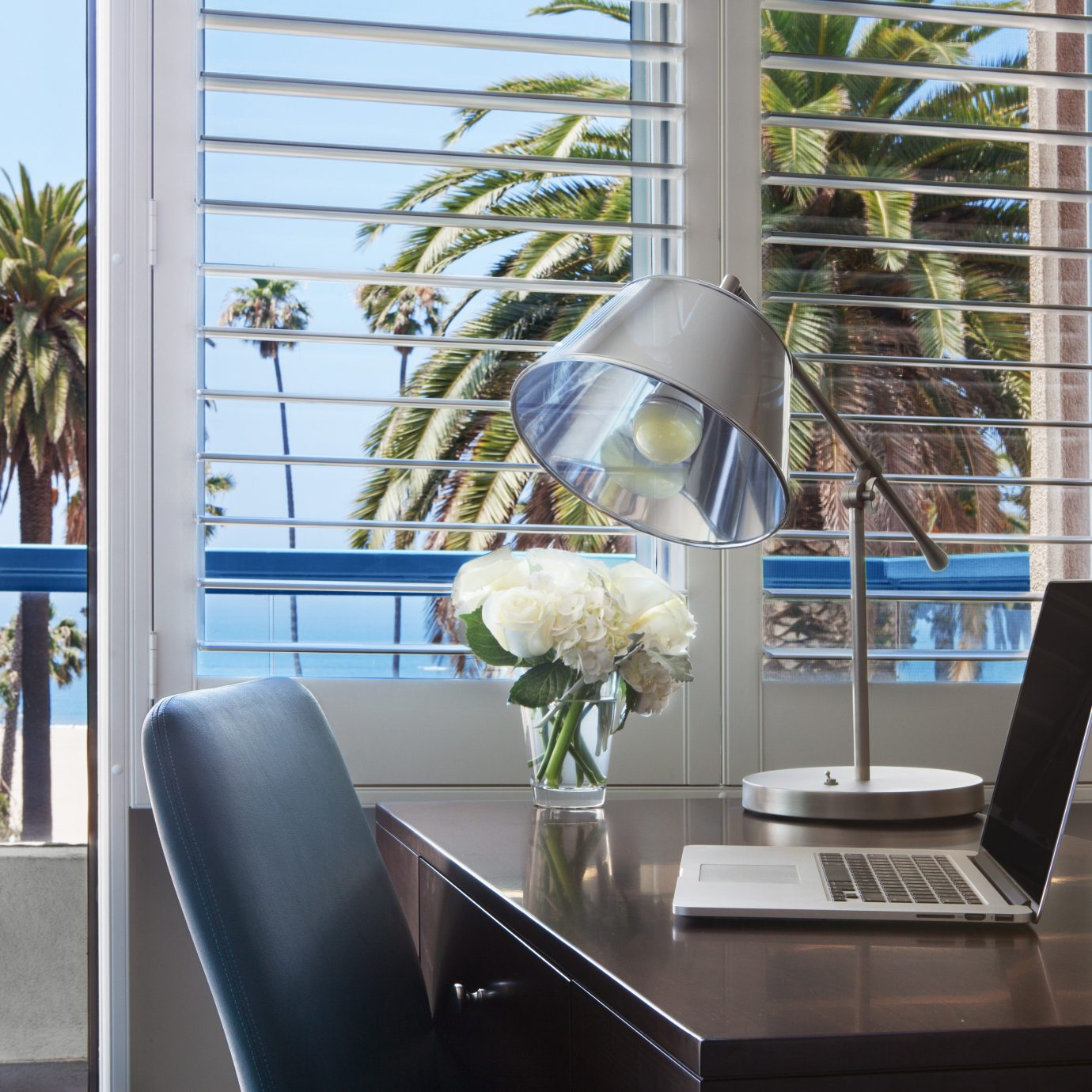 Balcony Classic property home condominium living room dining table
