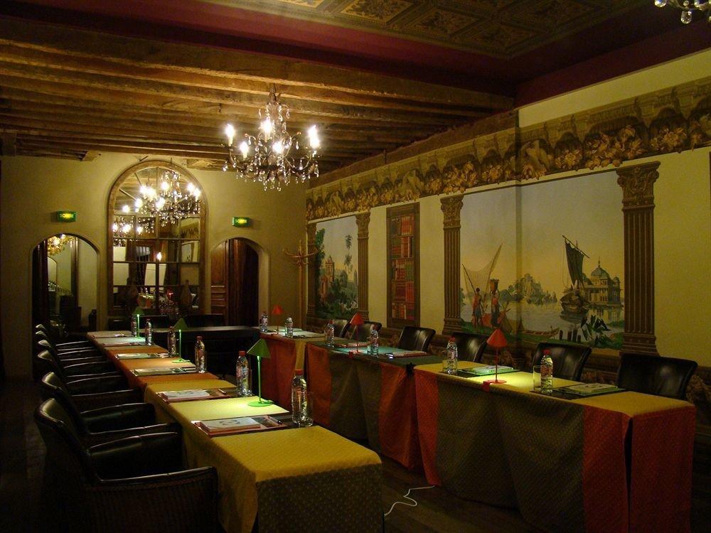 restaurant function hall ballroom Bar