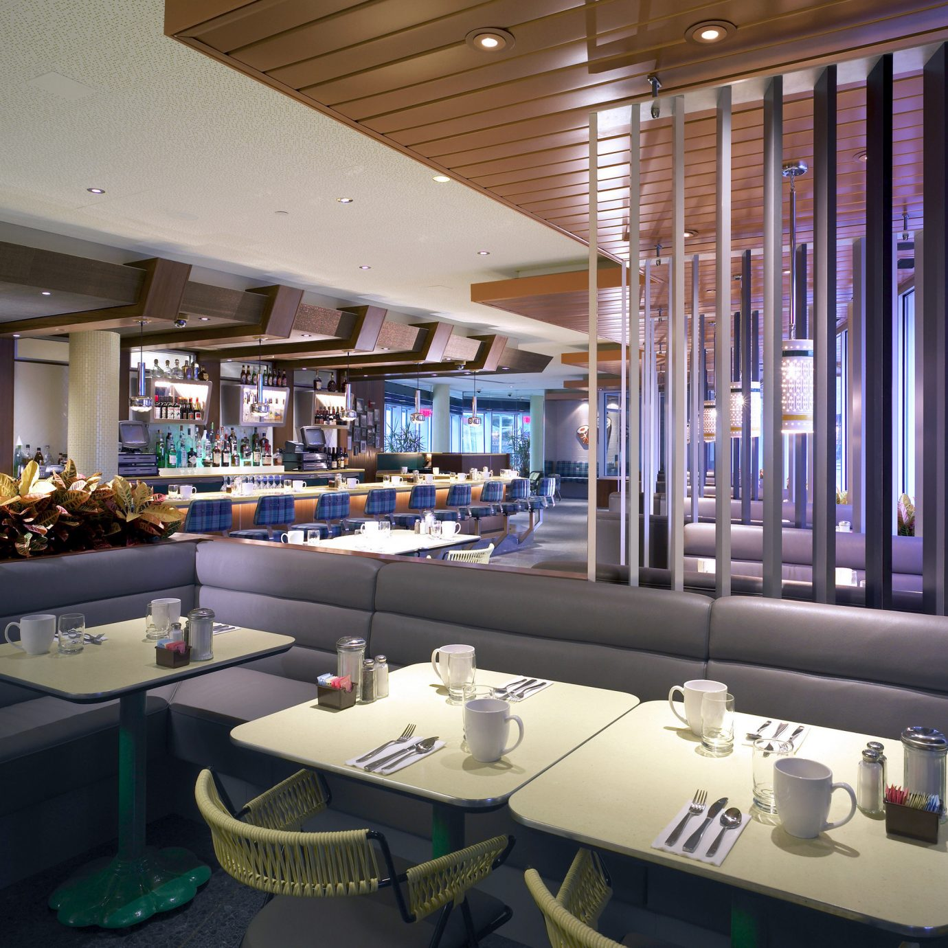 Boutique Dining Drink Eat Modern restaurant Lobby function hall lighting convention center Bar headquarters Resort conference hall