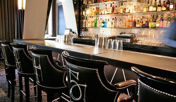 Bar restaurant countertop dining table