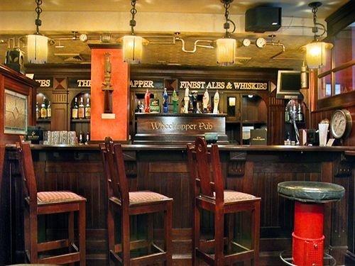 Bar Dining Drink Eat Luxury Modern Kitchen restaurant tavern