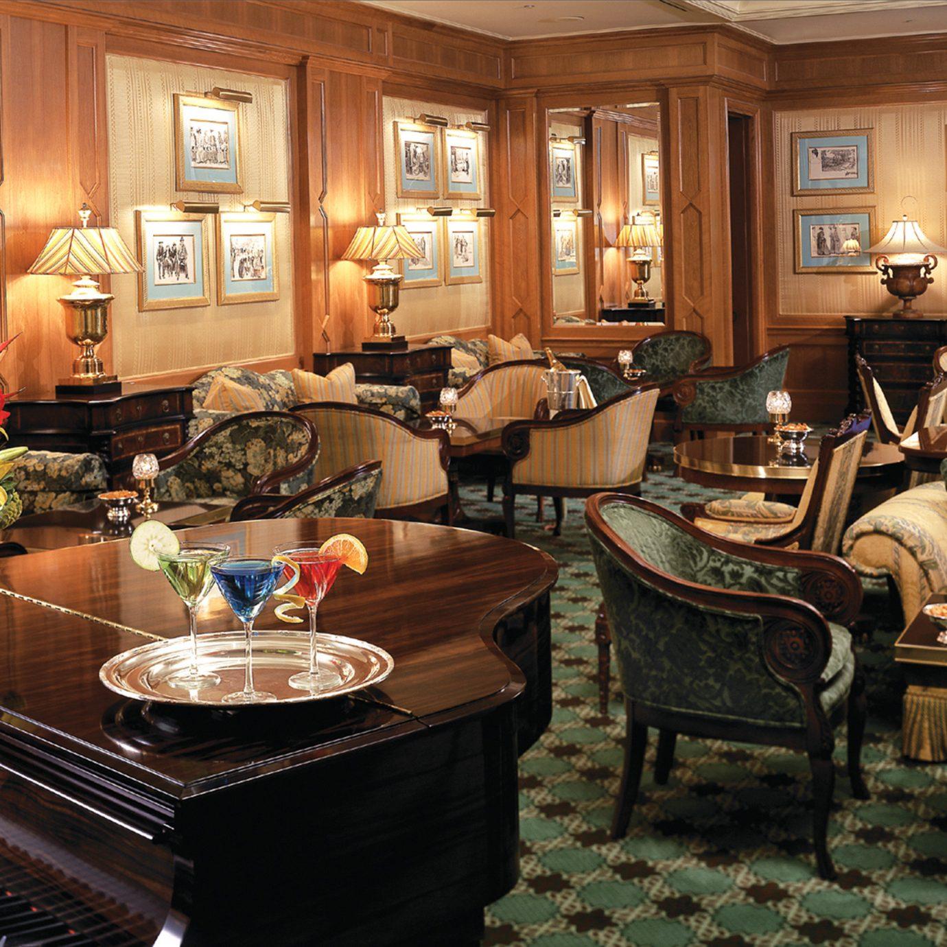 Bar Dining Drink Eat Elegant Fireplace Romantic Lobby living room home restaurant recreation room cluttered