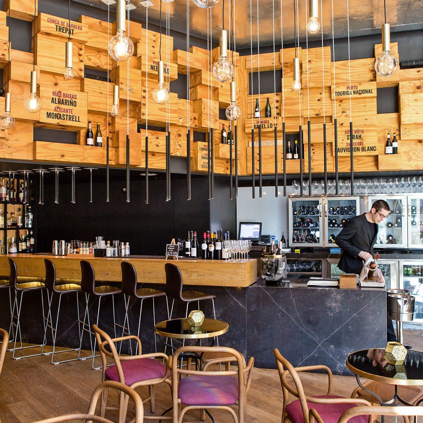 restaurant café coffeehouse Bar liquor store Lobby