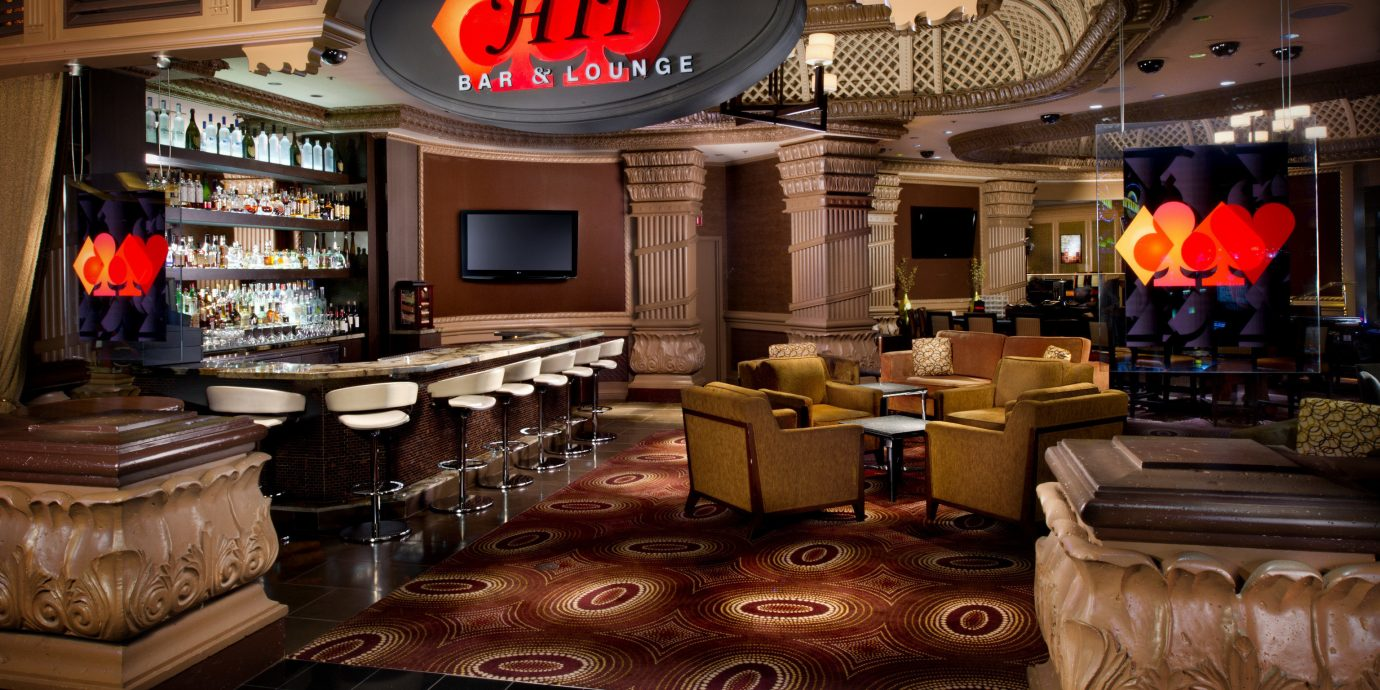 recreation room Bar Lobby screenshot restaurant cluttered