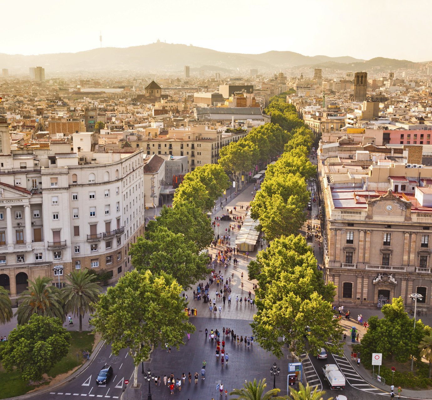 Barcelona Hotels News Spain Trip Ideas sky Town landmark cityscape City neighbourhood plaza town square aerial photography residential area metropolis Downtown ancient rome palace ancient history panorama crowd