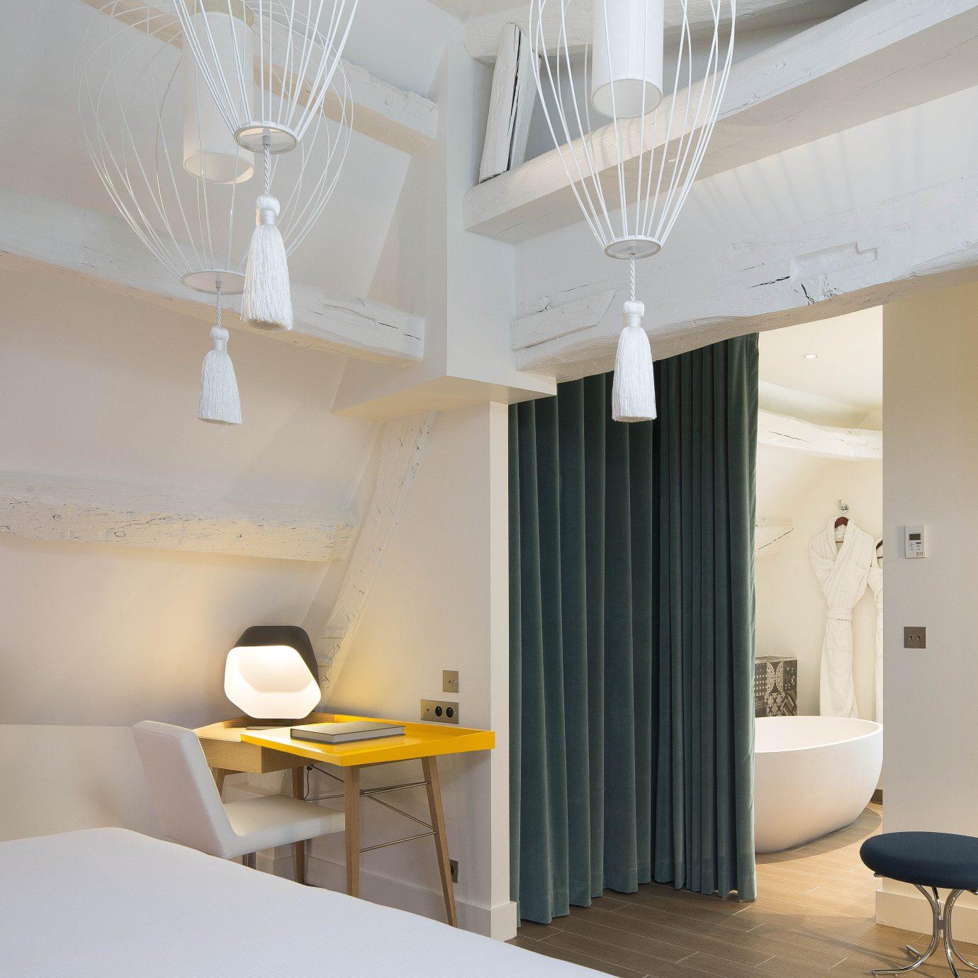 Bath Bedroom Boutique City Elegant Hotels Modern Romance Trip Ideas property home lighting condominium Suite daylighting
