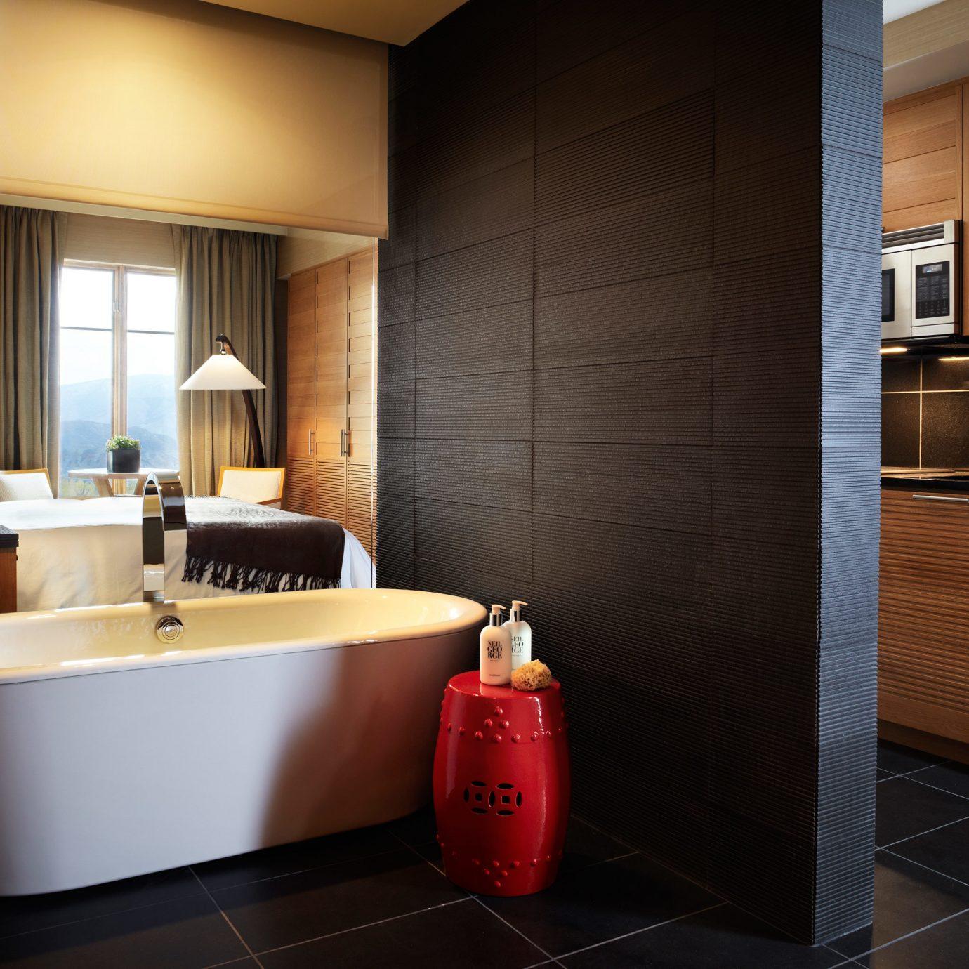 Bath Bedroom Luxury Scenic views bathroom property Suite home bathtub plumbing fixture tub tiled