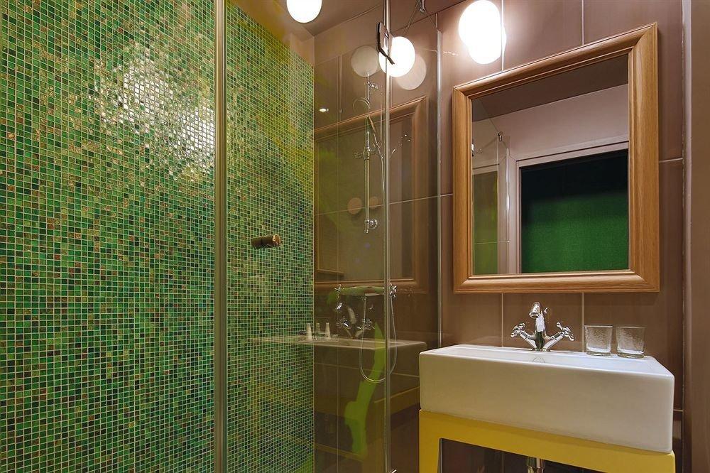 bathroom mirror property sink house home shower Suite plumbing fixture tiled tile Bath