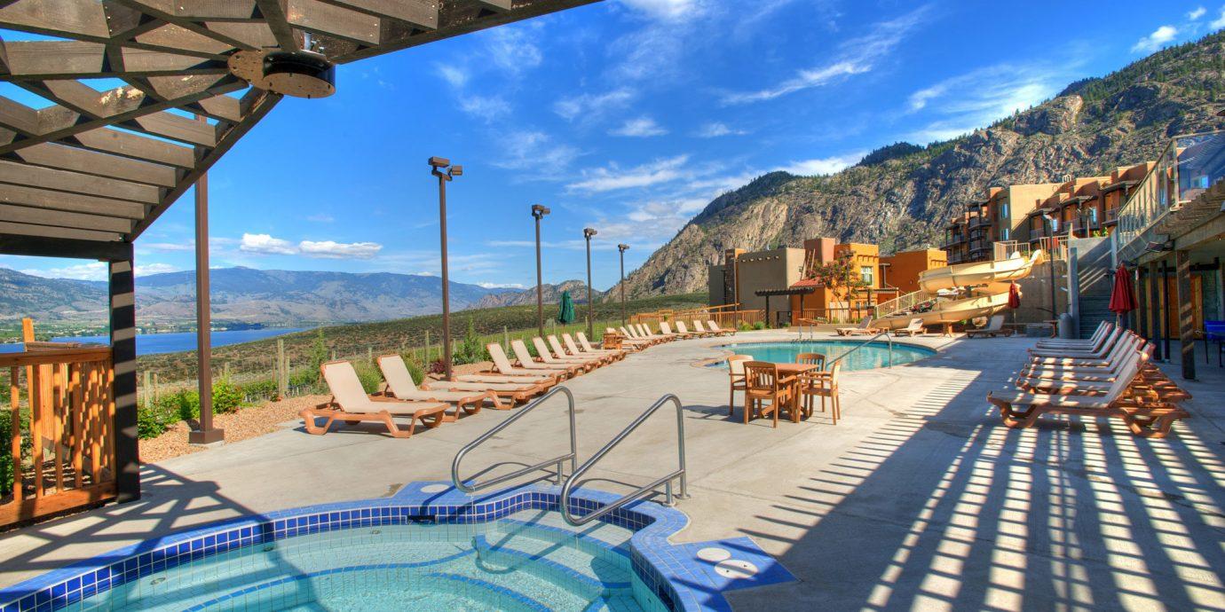 Drink Honeymoon Hot tub/Jacuzzi Pool Resort Romance Vineyard Wine-Tasting Winery leisure swimming pool Town mountain walkway Beach Water park Sea Deck lined
