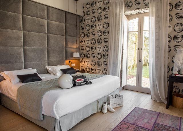 property Bedroom living room home cottage bed frame flooring tiled