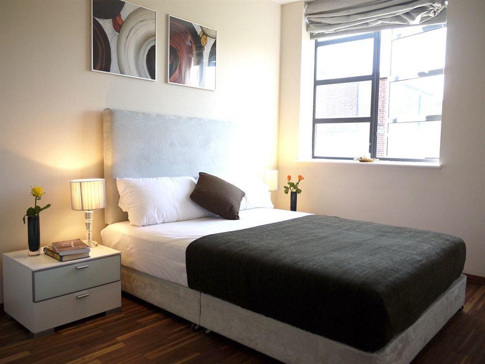 Bedroom property home cottage bed frame living room