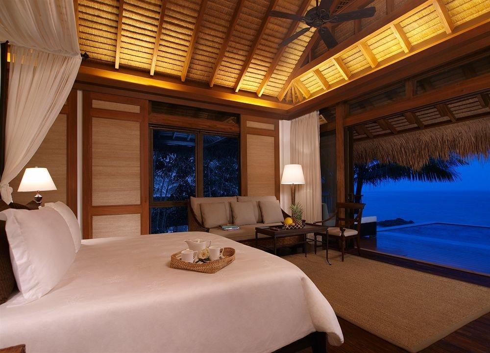 property yacht Suite home passenger ship swimming pool Resort living room Bedroom cottage Villa Boat