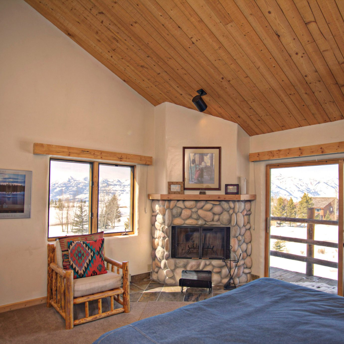 Bedroom Budget Country Family Fireplace Lodge property house home living room cottage hardwood farmhouse Villa