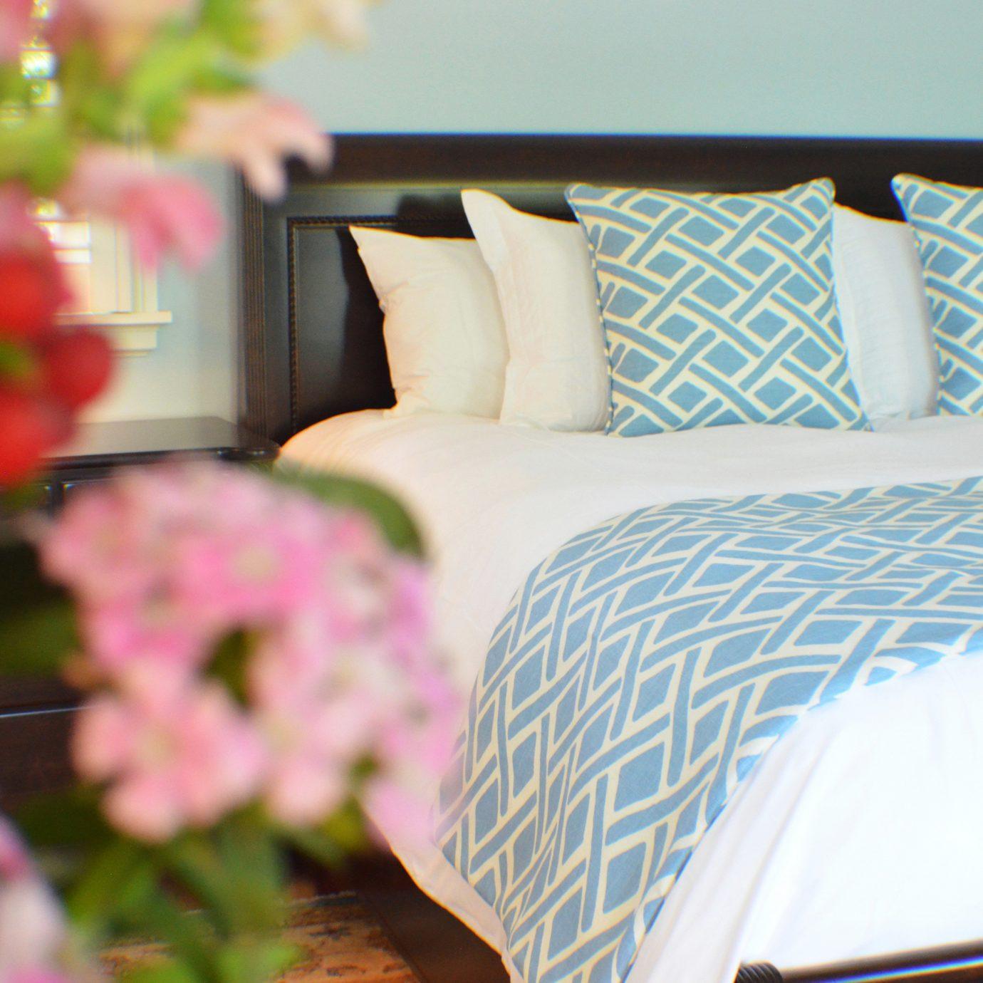 Bedroom Buildings Cultural Landmarks Museums color flower bed sheet textile material