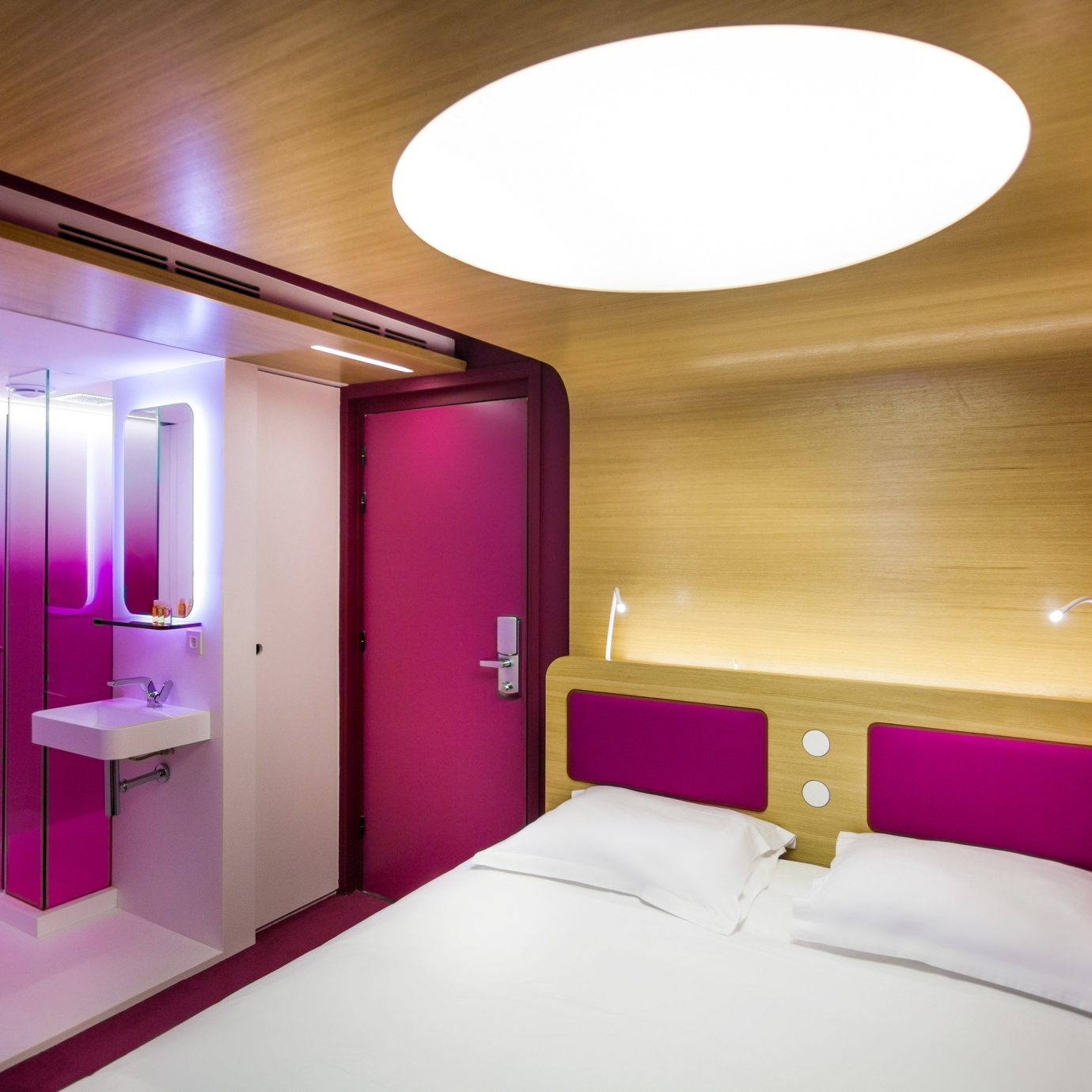 Bedroom Business City Hip Modern Resort Romance Romantic property Suite purple lamp
