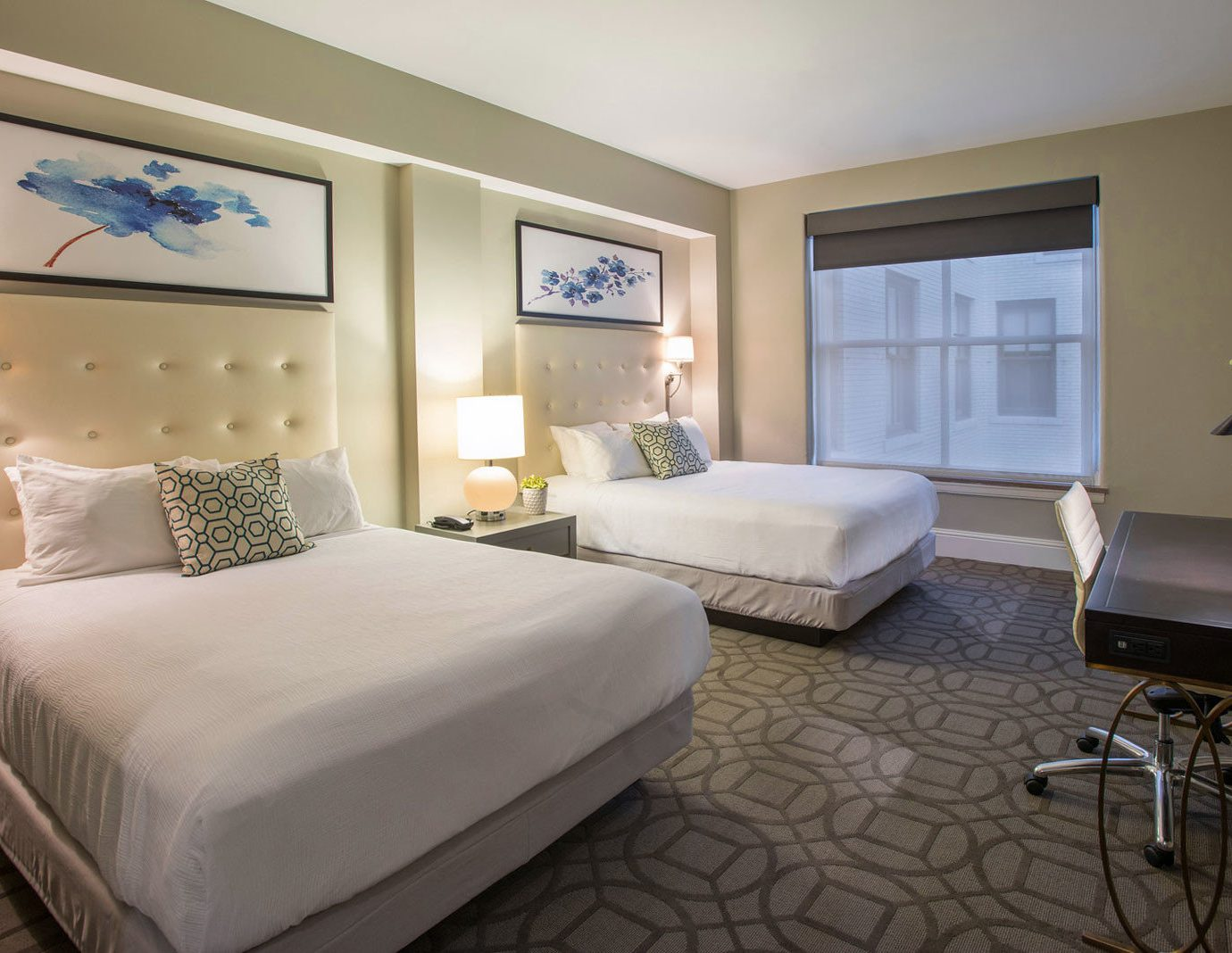 Bedroom Business property Suite condominium cottage living room