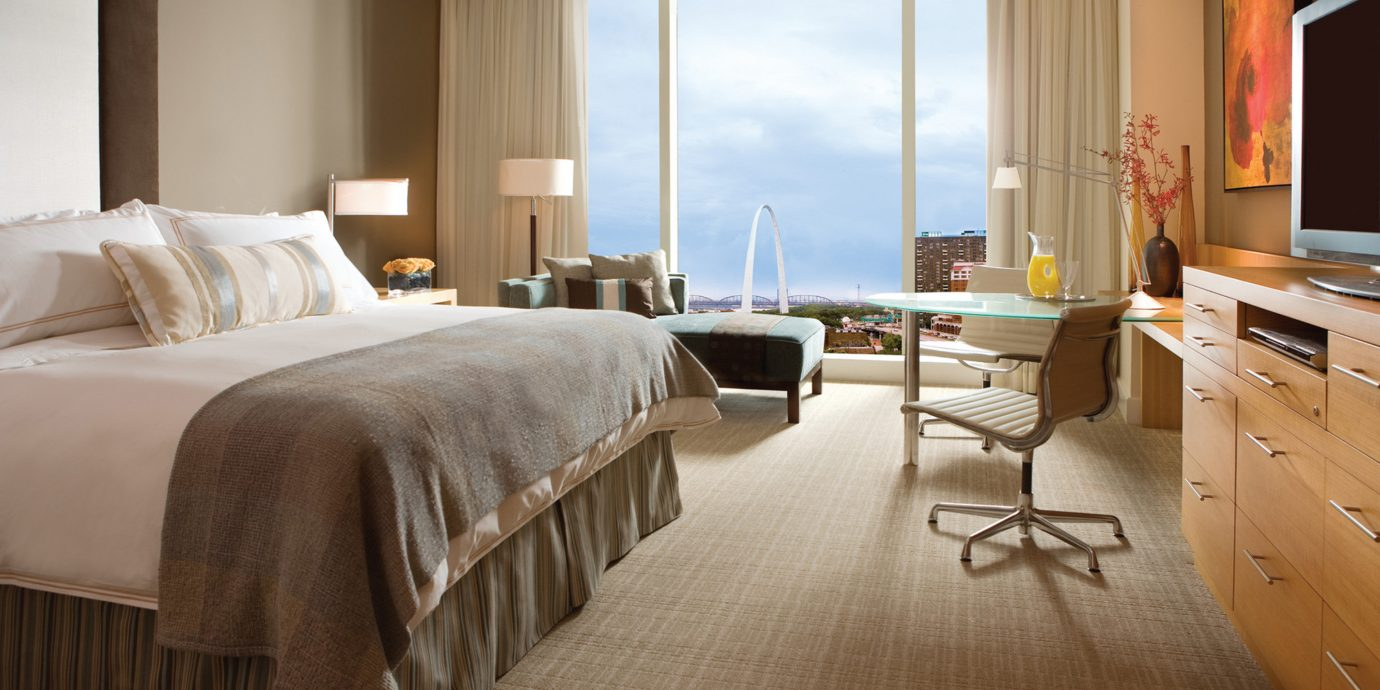 Bedroom City Classic Modern Scenic views Trip Ideas property scene Suite home hardwood cottage living room
