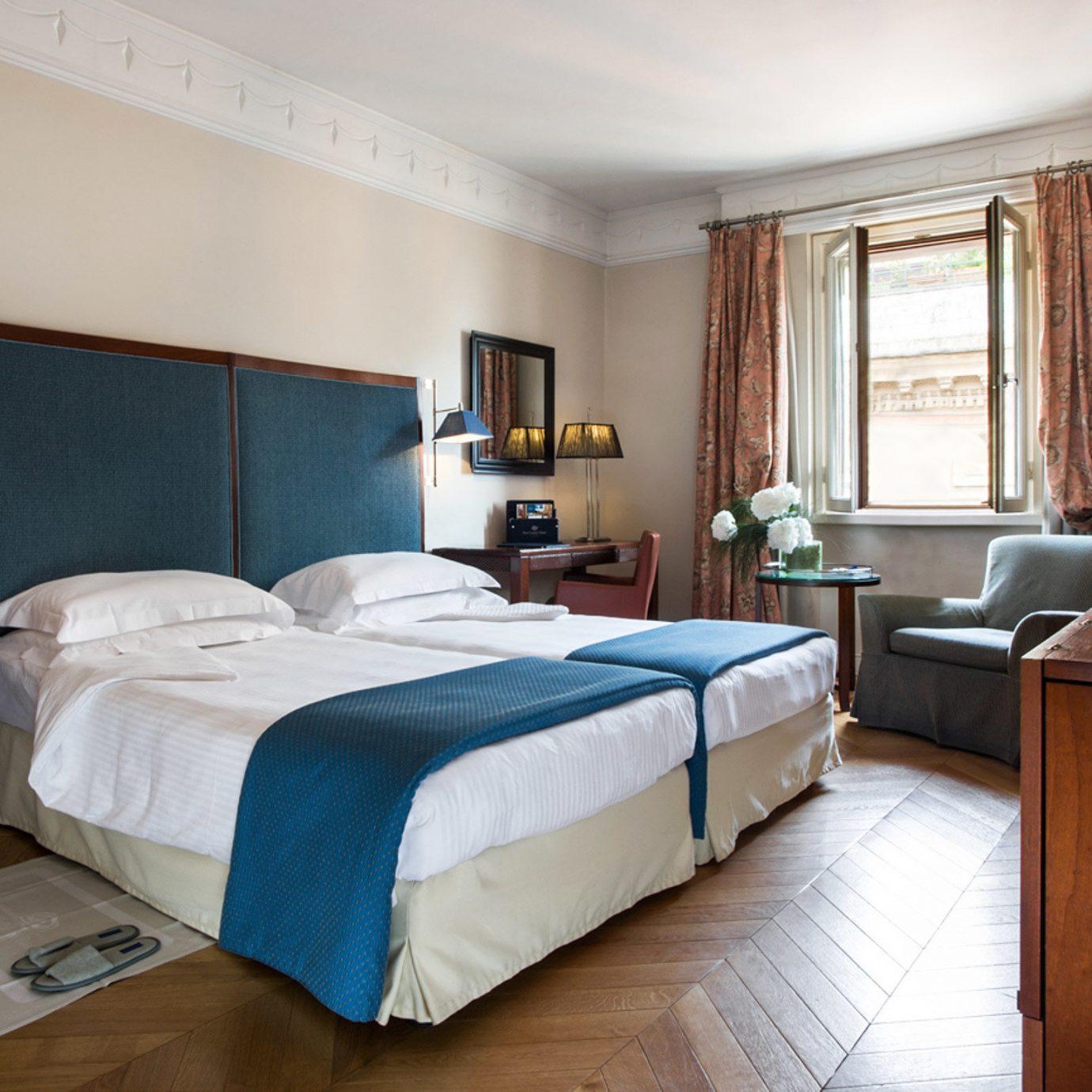 Bedroom City Classic property desk Suite home cottage hardwood